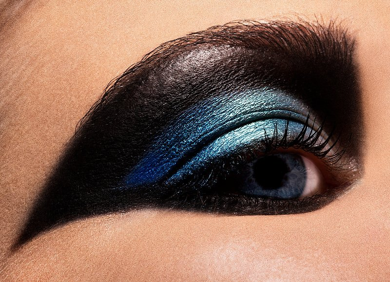 Blue Eyes with Blue Black Eye Makeup